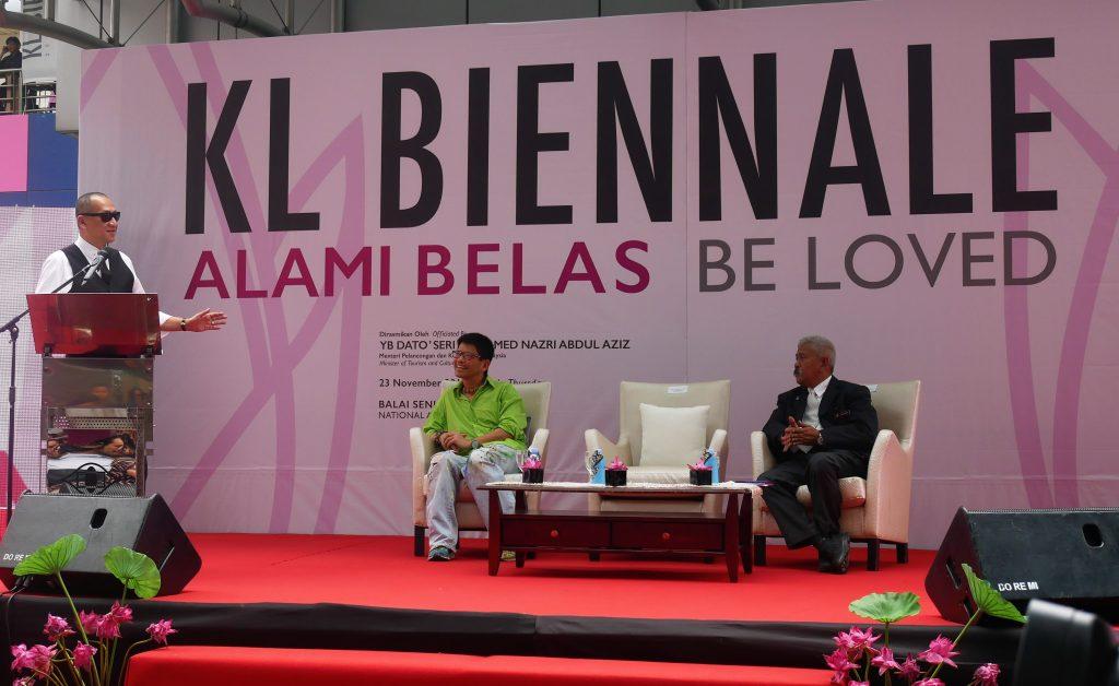 YB Dato' Seri Mohamed Nazri bin Abdul Aziz expressing his gratitude at the support KL Biennale been receiving.