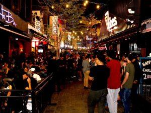 Vibe-Club-at-TREC-KL-Walkway-1024x768
