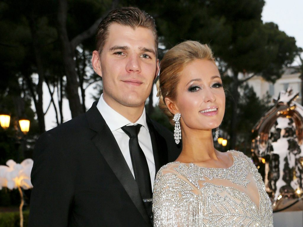 Paris Hilton Gets Hitched