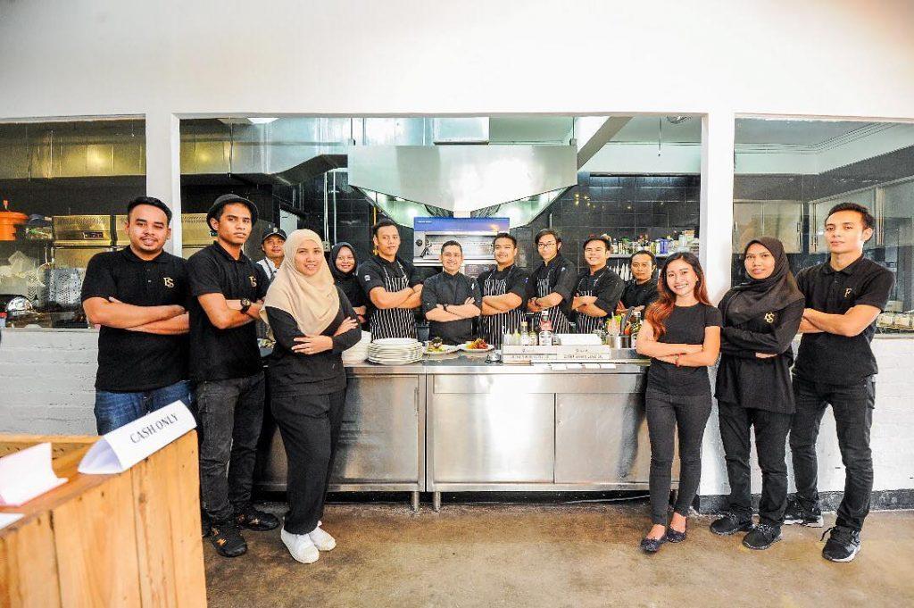 The friendly staff Image via Eat Sini SS19