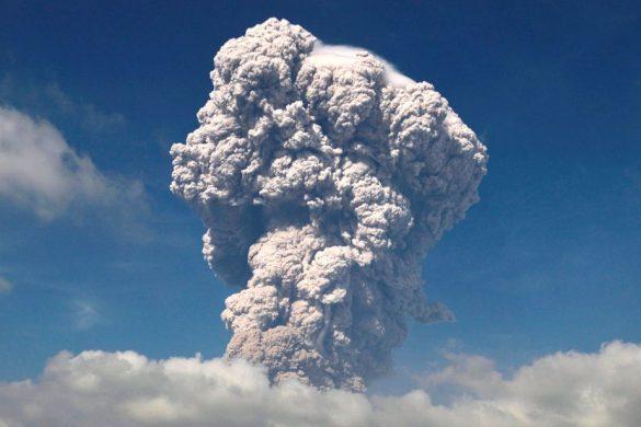 skynews-mount-sinabung-volcano_4235074