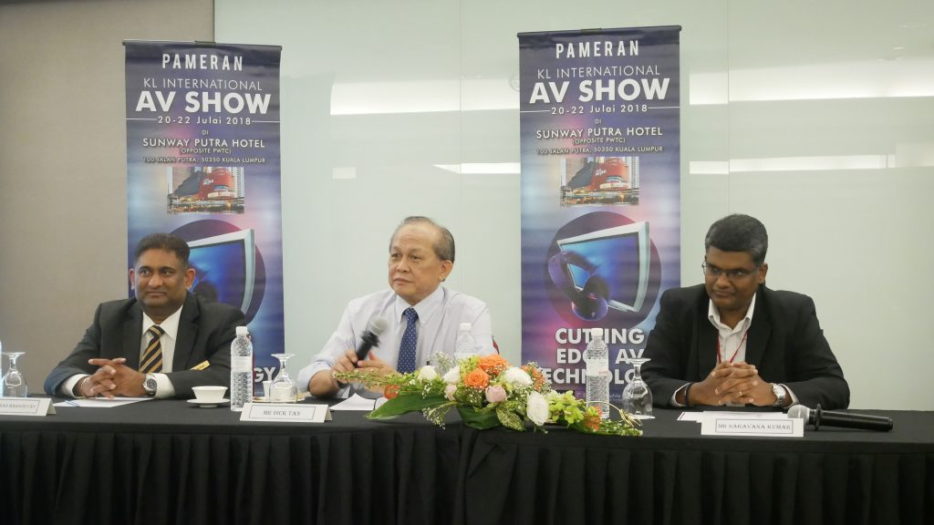 (middle) Mr Dick Tan, Chairman, KLIAV receiving questions from the booth vendors and media alike