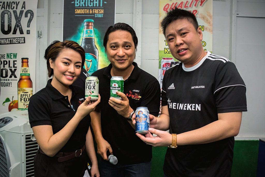 Ng Eng Kiat, Corporate Communications Manager of Heineken Malaysia Berhad (most right)