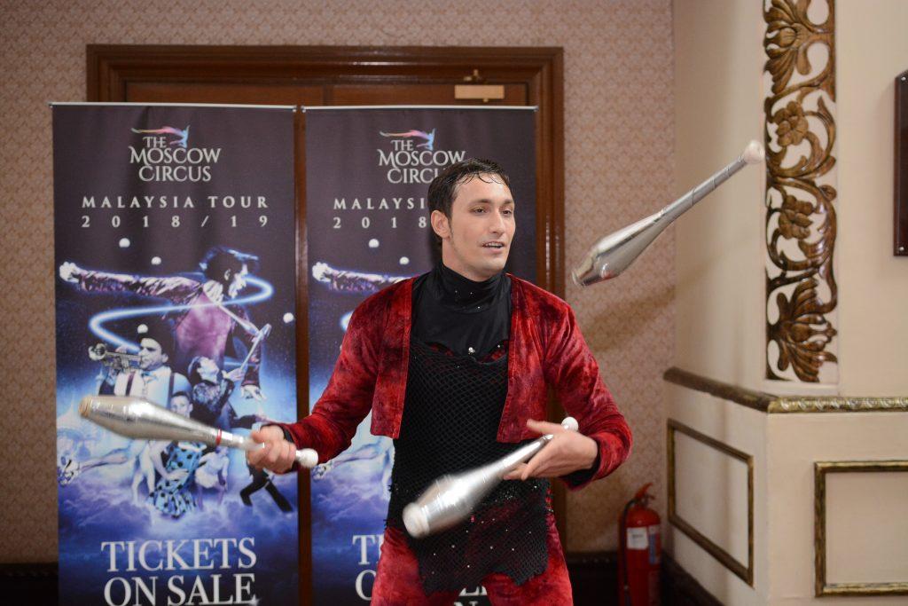 Master Juggler, The Incredible Semen Krachinov