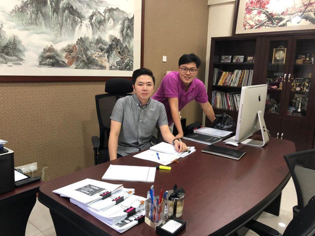 (left) Leon and his boss (right) Fui
