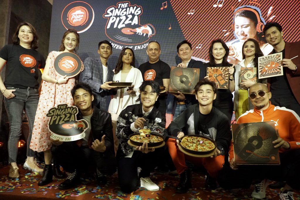Pizza Hut Introduces Malaysia's first Singing Pizza!