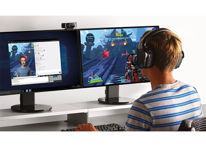 Logitech-C922-Pro-Stream-FullHD-Webcam-lifestyle-gaming-live-streaming